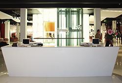 Banque d'accueil pour magasins et boutiques