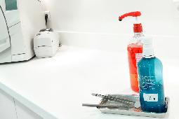 V-korr est résistant aux produits chimiques et aux taches