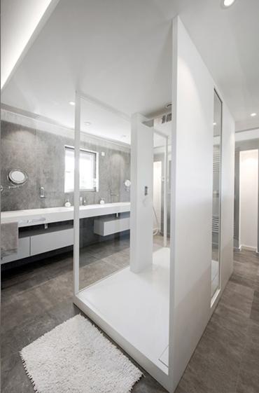 Solid surface shower tray V-korr