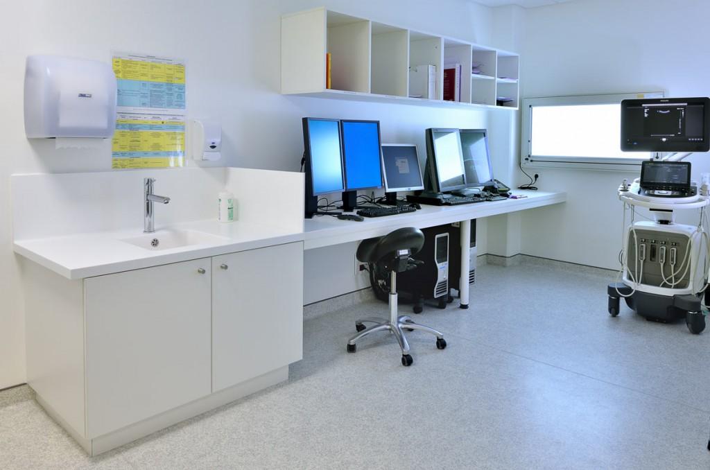 Mobilier en V-korr dans la salle de radiologie de la Clinique du Mail