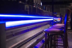 Eclairage sous le bar via des LEDs