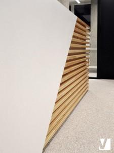 Banque d'accueil : Mélange de Solid Surface et de bois