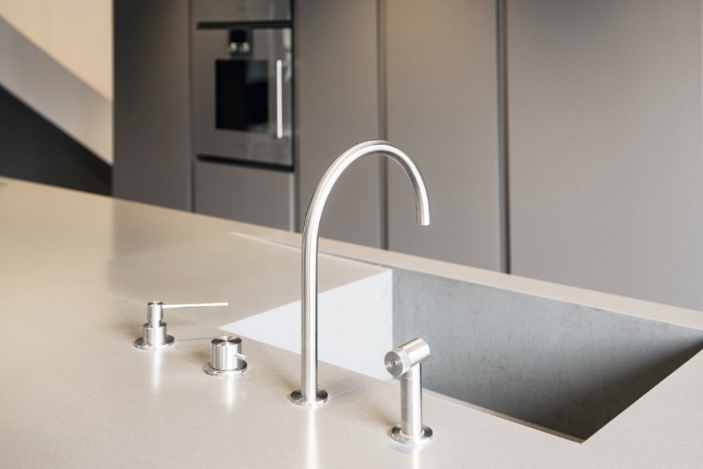 Worktop with integrated sink