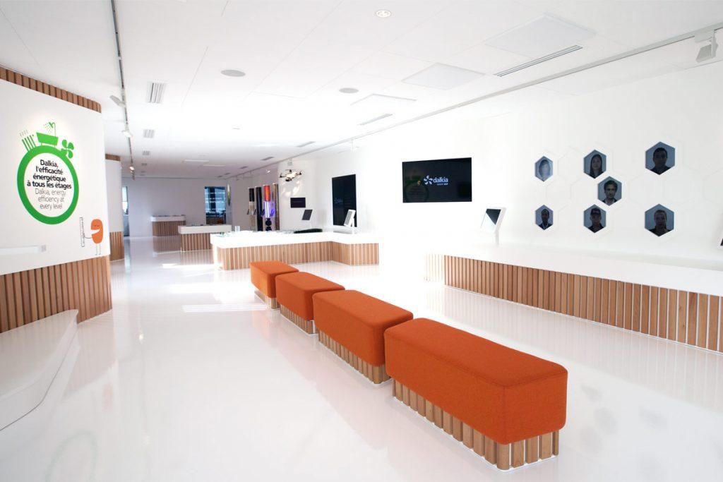 Mobilier en résine acrylique - habillages muraux