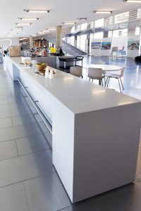 Comptoir et bar pour restauration en Solid Surface