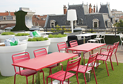 Mobilier extérieur en résine de syntèse : tables, chaises ...
