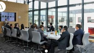 Table de réunion Manitowoc