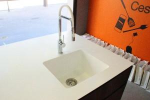 Plan de travail et cuve en V-korr - Show Home Concept
