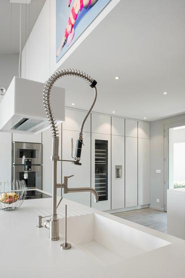 Cuve de cuisine intégrée au plan de travail sans joint