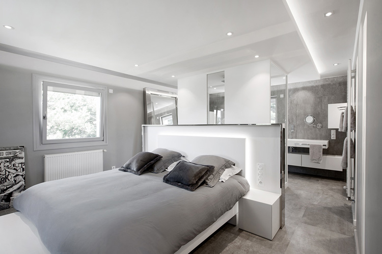 Habillage du lit et mobilier de chambre en V-korr