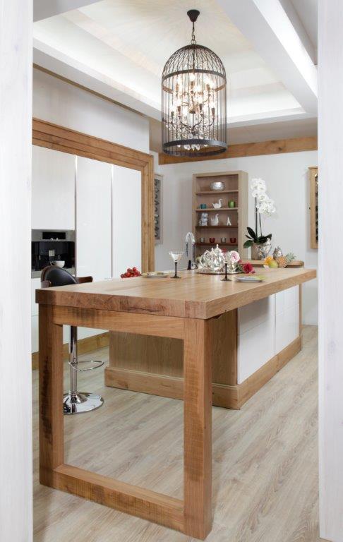 Habillage de la cuisine avec un mélange bois / V-korr