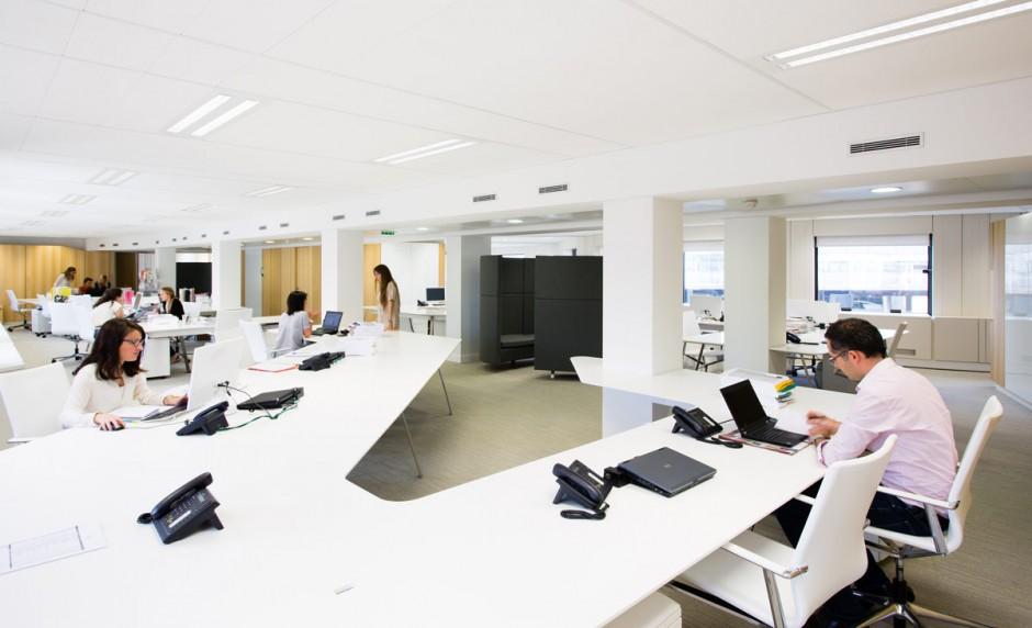 Tables de bureau design en open space