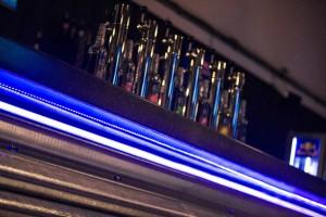 Ajout d'une série de LEDs pour l'éclairage du bar