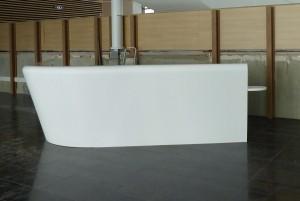 Installation de la banque d'accueil en Solid Surface
