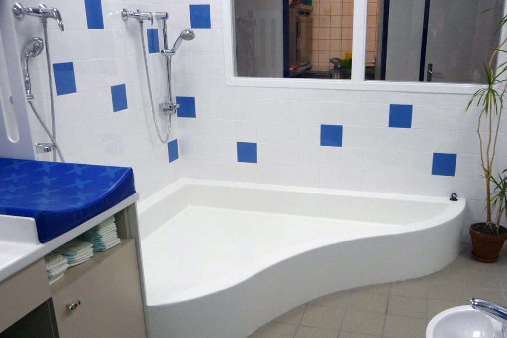 Pataugeoire thermoformée pour la salle d'eau