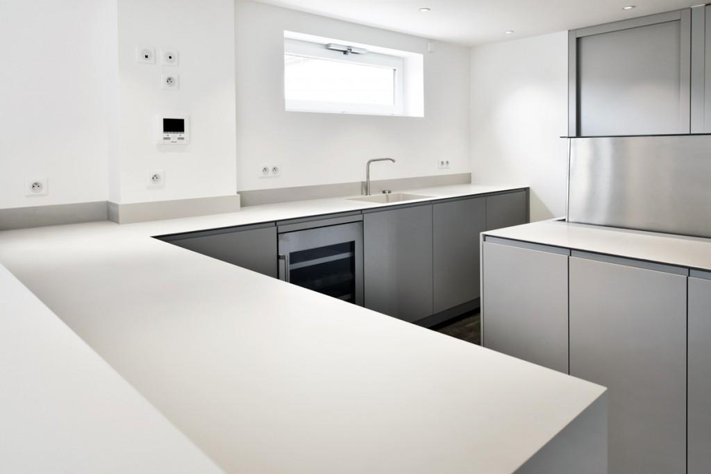 Plan de travail de cuisine en Solid Surface avec évier intégré