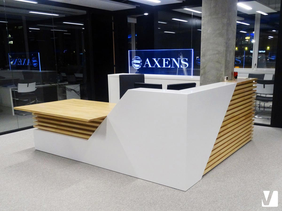 Bureau Bois Interiors : Mobilier de bureau en solid surface banque et tables pour axens