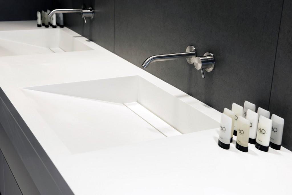 Mobilier résidentiel en Solid Surface : Plan vasque de salle de bains