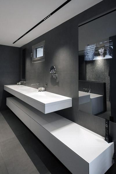 Aménagement de salle de bains : Plan vasque en Solid Surface