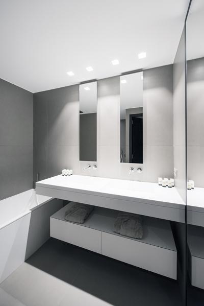 Aménagement de salle de bains : Plan vasque et baignoire