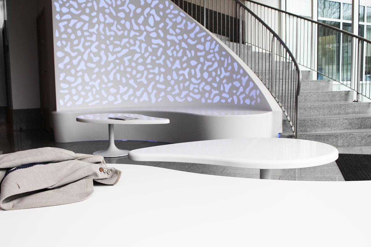 Habillage mural et mobilier en Solid Surface V-korr