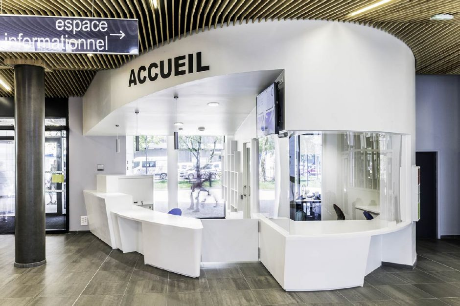 Espace accueil Pilsi Grenoble - Solid Surface