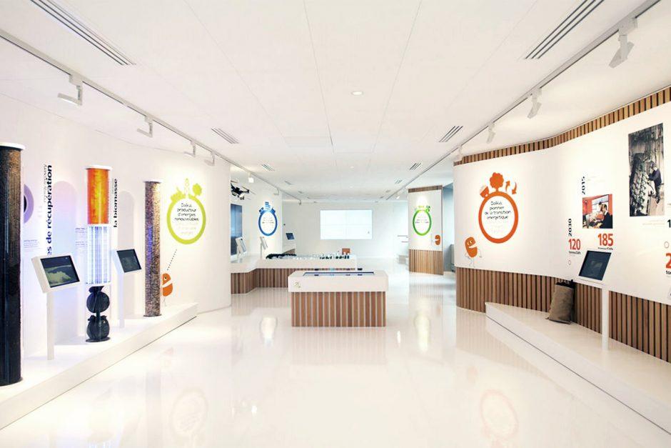 Aménagement du showroom Dalkia en résine acrylique V-korr