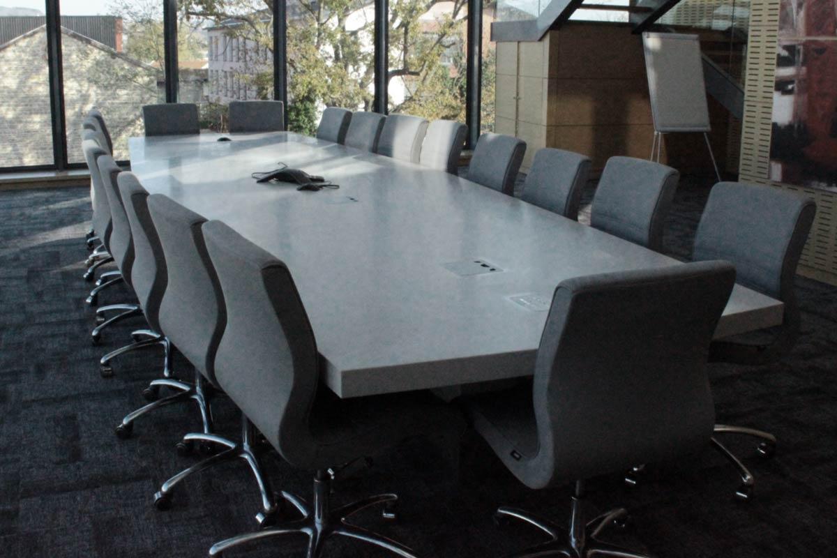 Table Solid Surface en Grey